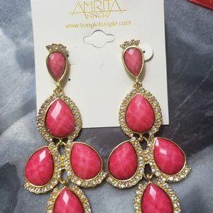 Chandelier earrings pink